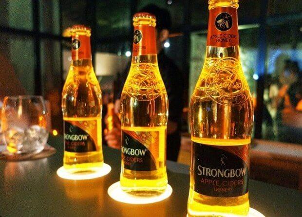 Strongbow nghĩa là gì