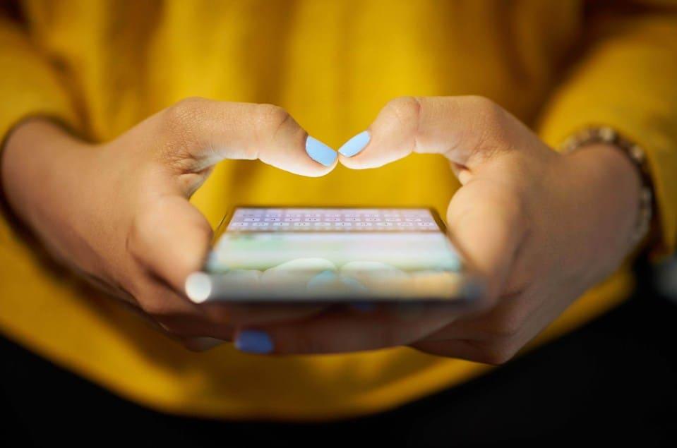Cách nhắn tin cua trai hiệu quả cho chị em nào chưa có người yêu