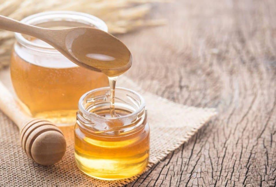 Cách trị vết thâm mụn ở mặt bằng mật ong